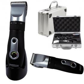 Haarschneidemaschine im Aluminiumkoffer